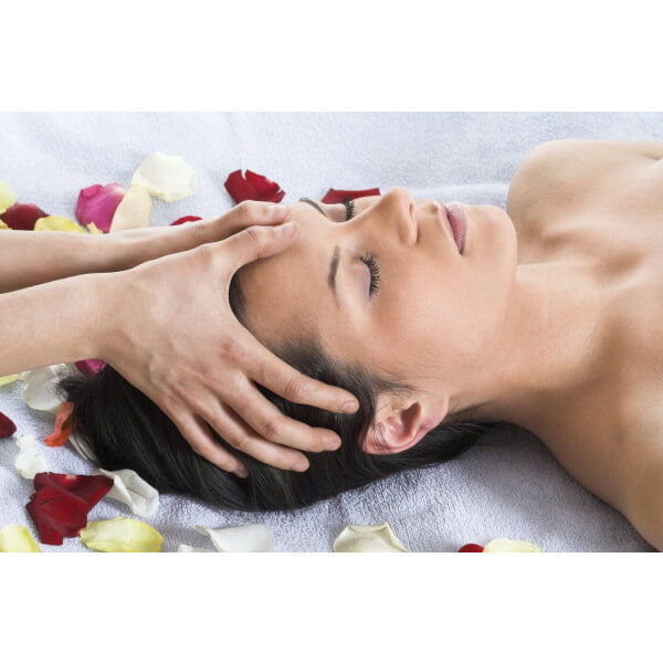 ladyheadmassage 000002994875Medium 1